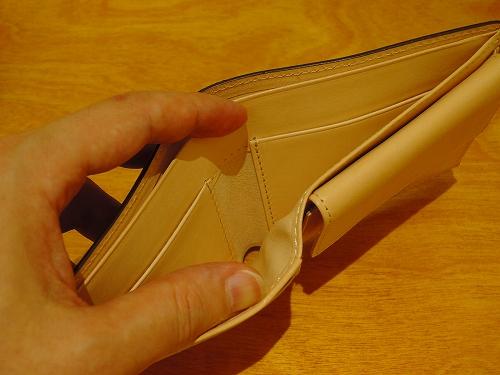 ココマイスター コードバン二つ折り財布