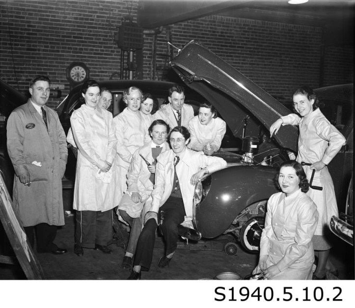"""""""Girls Automechanics Class - Lincoln Motors II,"""" 1940. STCM St. Catharines Standard Collection, S1940.5.10.2."""