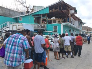 St. John residents line up for ice early Wednesday morning. (Amy Roberts photo)