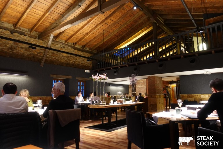 An image of the inside of Asador Exterbarri