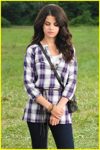 Out Gomez Loud Selena Dream Bags Hand
