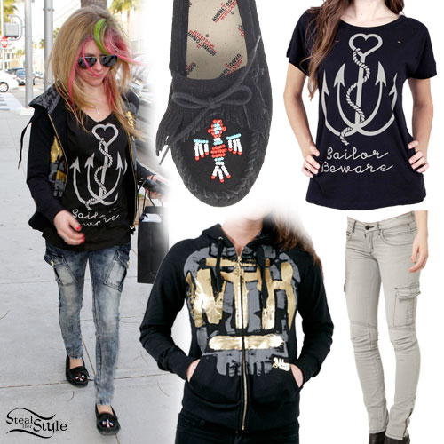 Avril Lavigne moccasin outfit