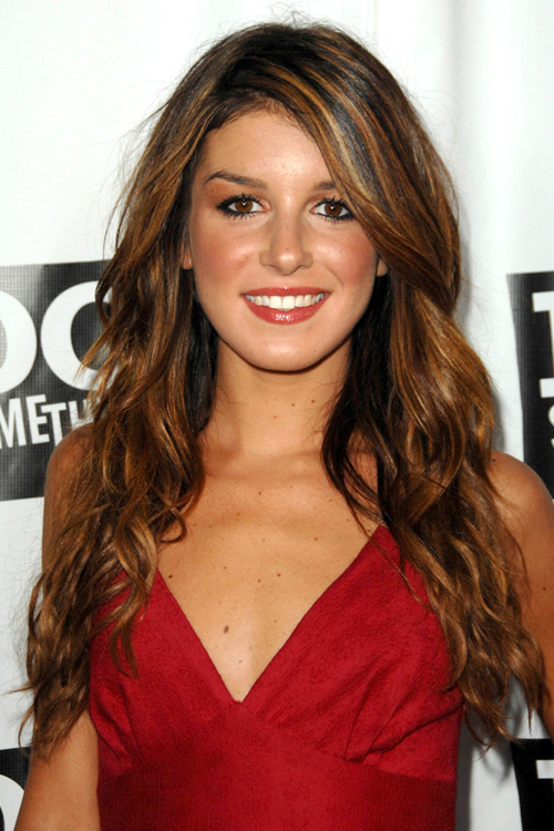 Shenae Grimes Clothes Amp Outfits Steal Her Style
