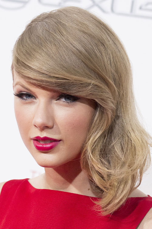Taylor Swift Straight Ash Blonde Faux Sidecut Side Part