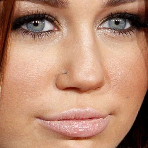 Miley Cyrus Piercings Amp Jewelry Steal Her Style