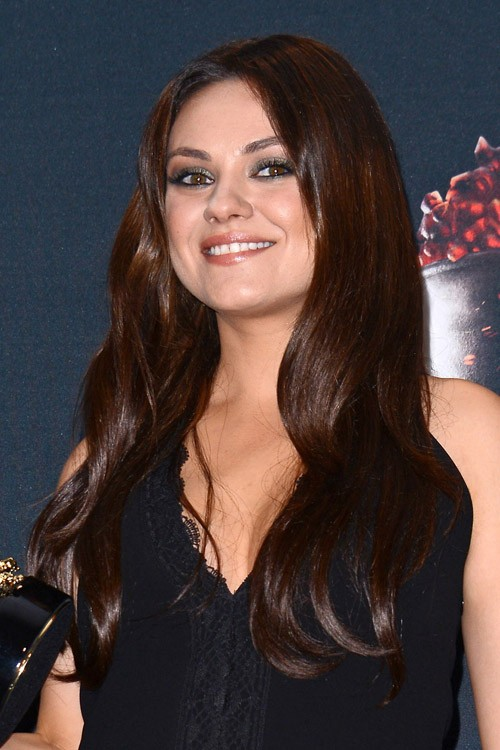 Mila Kunis Hairstyles Amp Hair Colors Steal Her Style