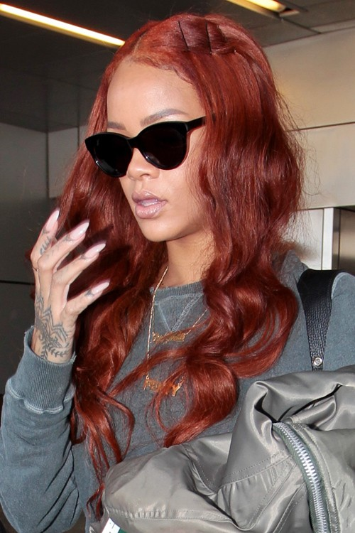 Rihanna Hairstyles Amp Hair Colors Steal Her Style