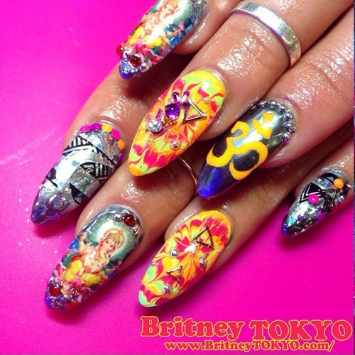 vanessa-hudgens-nails-23