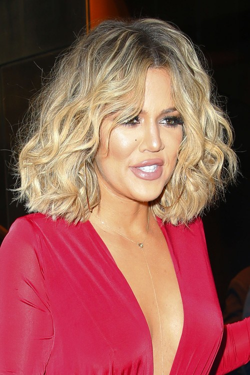 Khloe Kardashians Hairstyles Amp Hair Colors Steal Her Style