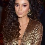 Ashley Tisdales Hairstyles Amp Hair Colors Steal Her Style