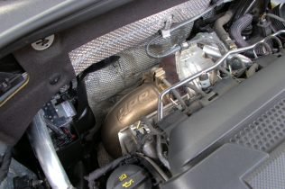 Downpipe-EngineBay-02