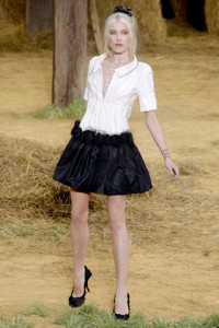 Chanel Spring 2010 Ready-to-wear Collection, Photo: Monica Feudi