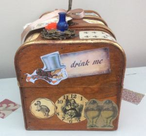 Steampunk inspired Alice in Wonderland jewellery box, trinket box. 2