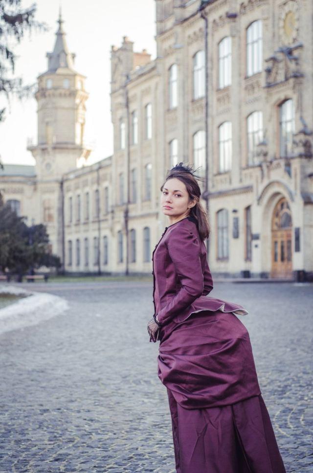 Victorian Era Gown, Bustle Taffeta Dress, Steampunk Costume 1