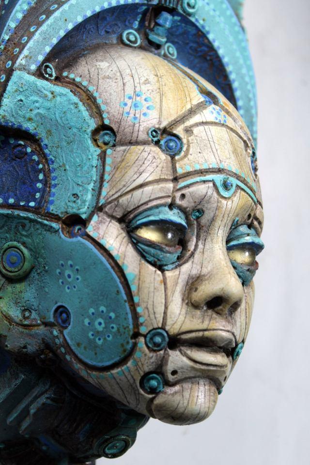 LONOS BETSOEDE. Painted robot portrait wall sculpture. Steampunk sculpture handmade by Tomàs Barceló. 2