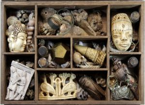 Vintage collection of wonders, exotic and magic small objects. Fantasy travel showcase by Tomàs Barceló. 1