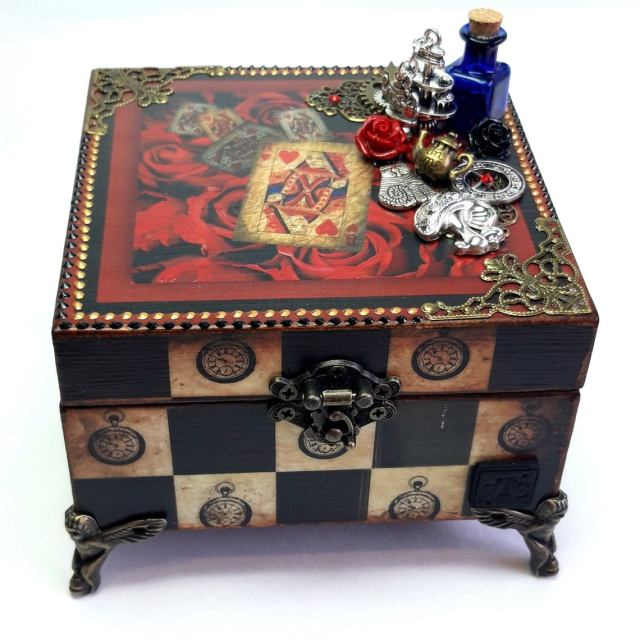 Alice in Wonderland Gifts, Decoupage Jewelry box, Birthday Present for Story Book Lover, wax melts gift set