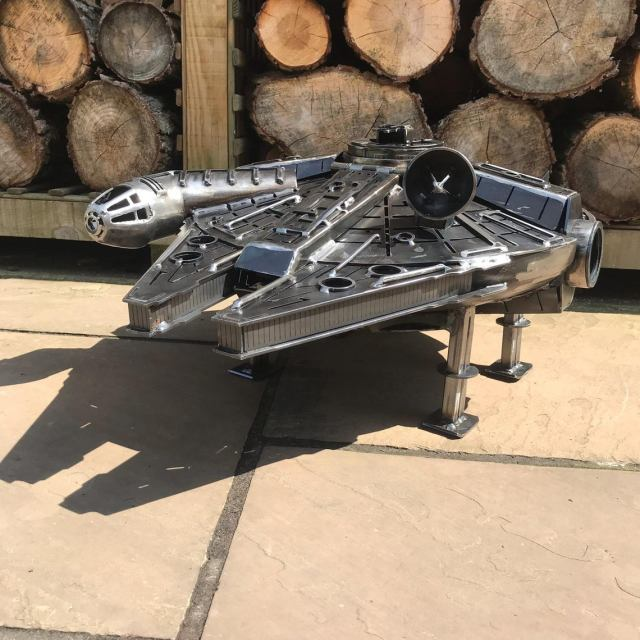 Star Wars - Metal Art - Millennium Falcon - Fire Pit - wood burner  2