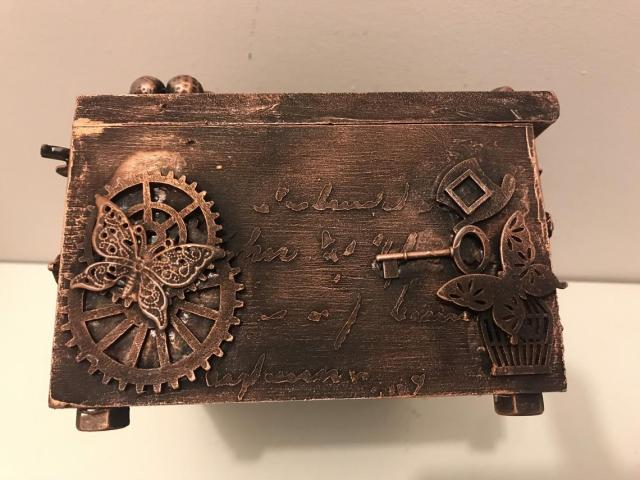 Mixed media decorated jewellery box, decorated jewellery box, steampunk jewellery box, gothic jewellery box, vintage decorated jewellery box  5