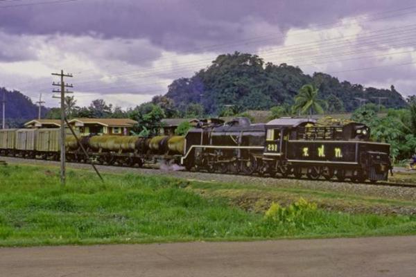 kang tang thung song steam train thailand pacific