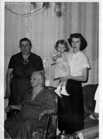 four generations Amanda Odna Doris Donna