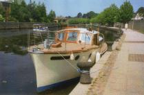 sonbar-moored-to