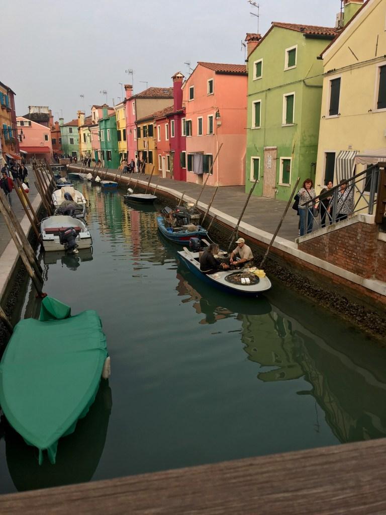 Burano farverig favoritø i Venedigs Lagune