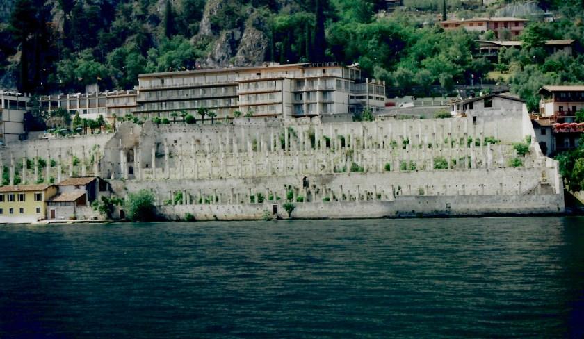 Limonaia og Hotel Splendid Palace, Limone sul Garda, Italien.