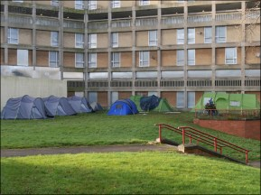 Tent City In The Shadow of Empty Housing | Park Hill | Sheffield | 27 December 2016 | © Little Bits of Sheffield (sp1010119)