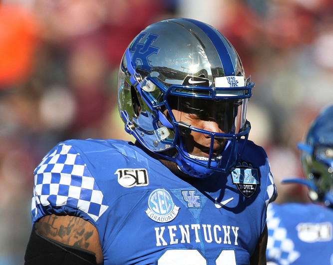 CHARLOTTE, NC - DECEMBER 31: Calvin Taylor Jr. (91) of Kentucky during the Belk Bowl college football game between the Virginia Tech Hokies and the Kentucky Wildcats on December 31, 2019, at Bank of America Stadium in Charlotte, NC. (Photo by John Byrum/Icon Sportswire)