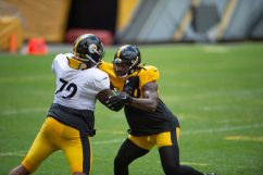 Pittsburgh Steelers offensive tackle Zach Banner (72) and Pittsburgh Steelers linebacker Bud Dupree (48) train at Heinz Field during the Steelers 2020 Training Camp, Thursday, Aug. 18, 2022 in Pittsburgh, PA. (Caitlyn Epes / Pittsburgh Steelers)