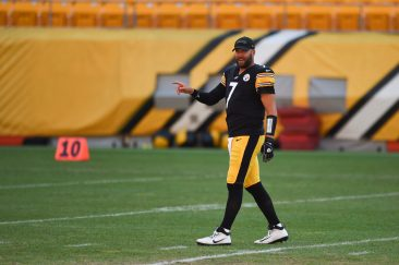 Pittsburgh Steelers quarterback Ben Roethlisberger (7) trains at Heinz Field during the Steelers 2020 Training Camp, Monday, Aug. 22, 2022 in Pittsburgh, PA. (Caitlyn Epes / Pittsburgh Steelers)