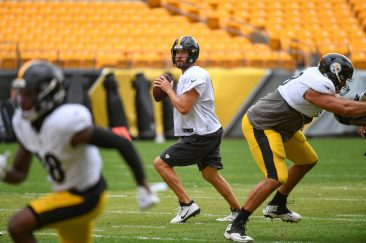 Pittsburgh Steelers quarterback Ben Roethlisberger (7) trains at Heinz Field during the Steelers 2020 Training Camp, Monday, Aug. 31, 2020 in Pittsburgh, PA. (Karl Roser / Pittsburgh Steelers)