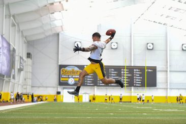 Pittsburgh Steelers running back James Conner (30) trains at the UPMC Rooney Sports Complex during the Steelers 2020 Training Camp, Tuesday, Aug. 25, 2020 in Pittsburgh, PA. (Karl Roser / Pittsburgh Steelers)