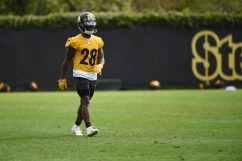 Pittsburgh Steelers cornerback Mike Hilton (28) practices at the UPMC Rooney Sports Complex preparing for a Week 1 matchup against the New York Giants, Saturday, Sept. 12, 2020 in Pittsburgh, PA. (Caitlyn Epes / Pittsburgh Steelers)