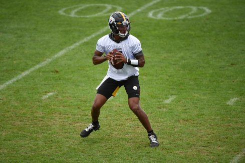 Pittsburgh Steelers quarterback Joshua Dobbs (5) practices at the UPMC Rooney Sports Complex preparing for a Week 1 matchup against the New York Giants, Saturday, Sept. 12, 2020 in Pittsburgh, PA. (Caitlyn Epes / Pittsburgh Steelers)