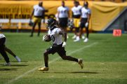 Pittsburgh Steelers running back Kerrith Whyte Jr. (40) trains at Heinz Field during the Steelers 2020 Training Camp, Friday, Sept. 4, 2020 in Pittsburgh, PA. (Caitlyn Epes / Pittsburgh Steelers)