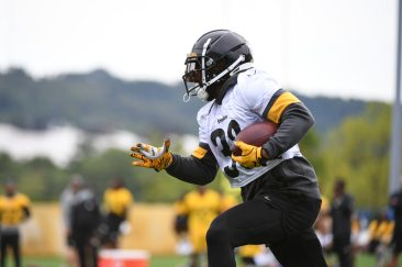 Pittsburgh Steelers running back Jaylen Samuels (38) practices at the UPMC Rooney Sports Complex preparing for a Week 1 matchup against the New York Giants, Monday, Sept. 7, 2020 in Pittsburgh, PA. (Karl Roser / Pittsburgh Steelers)