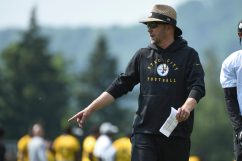 Pittsburgh Steelers Offensive Coordinator Matt Canada participates in the Organized Team Activities (OTAs), Tuesday May 25, 2021 at the UPMC Rooney Sports Complex. (Caitlyn Epes / Pittsburgh Steelers)
