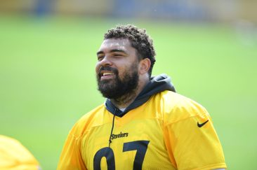 Pittsburgh Steelers defensive tackle Cameron Heyward (97) participates in the Organized Team Activities (OTAs), Tuesday May 25, 2021 at the UPMC Rooney Sports Complex. (Karl Roser / Pittsburgh Steelers)
