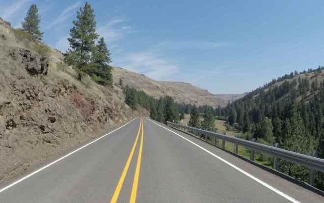Hwy 350 close to Wallowa Mountain Loop
