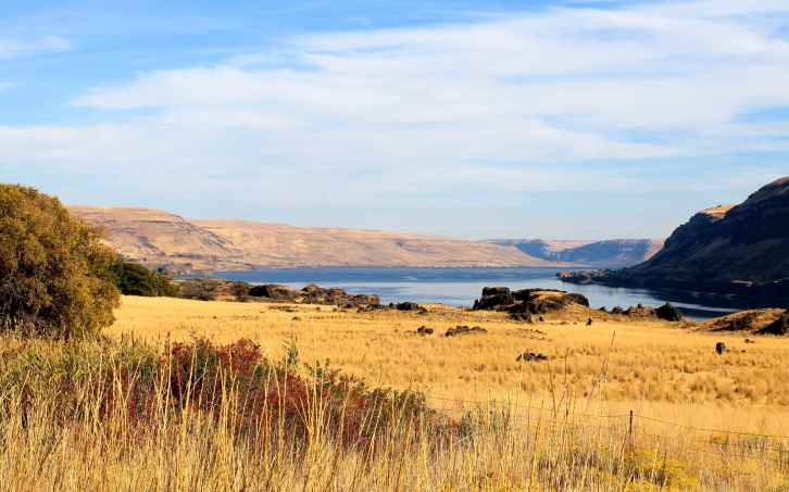 Columbia River along Hwy 14