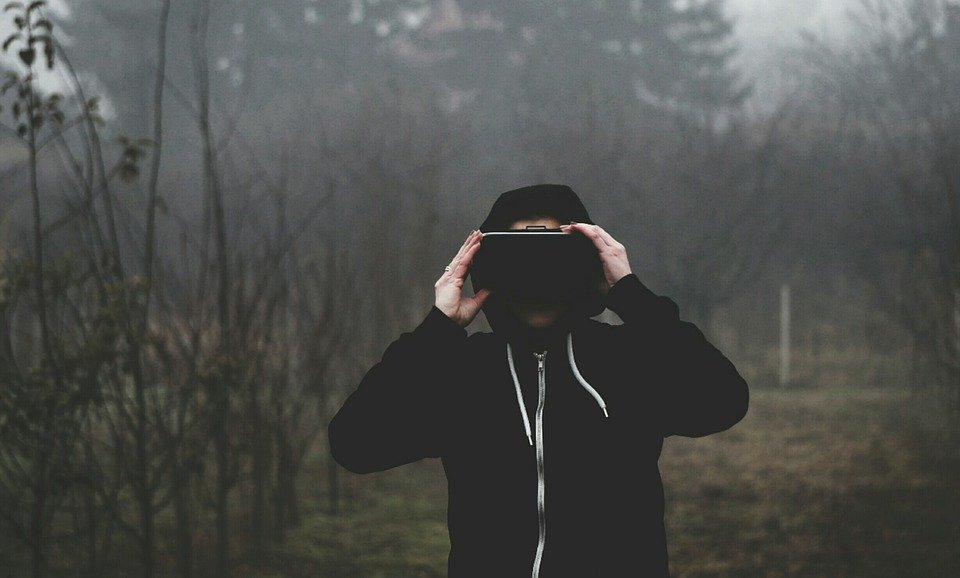 virtual-reality-1898441_960_720.jpg