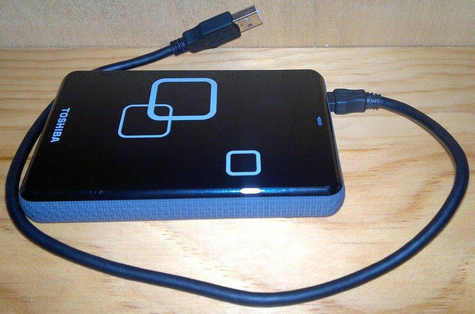external-hard-drive-1200035_960_720.jpg