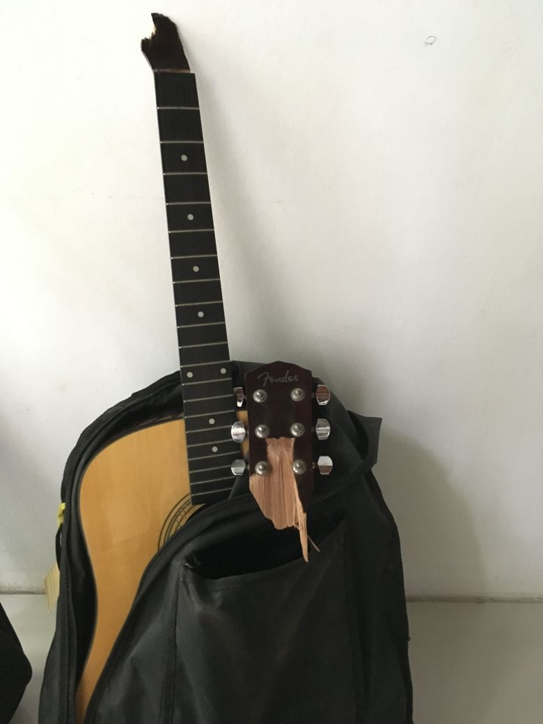 the first guitar i found in jamaica is too small — steemit