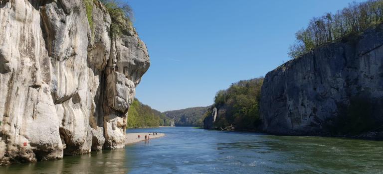 Mit dem Schiff entlang der Donau – Unterwegs im Altmühltal