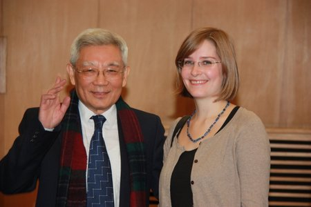Arnhilt Hoefle mit Professor Dr. Zhang Yushu beim Stefan-Zweig-Symposion in Peking 2012