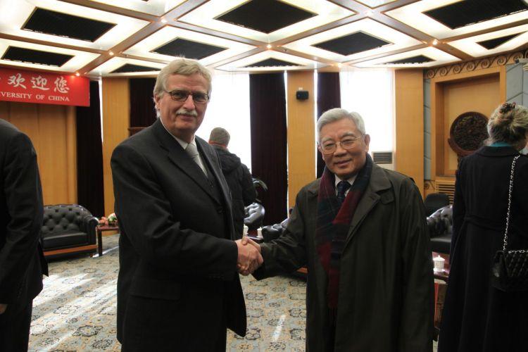Nachruf auf Herrn Prof. Dr. Dr.h.c. ZHANG Yushu, (* 7. April 1934, † 5. Januar 2019 in Peking).