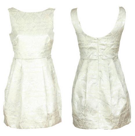 rochii Zara albe dintr-un material fin lucios cu imprimeu decorativ argintiu
