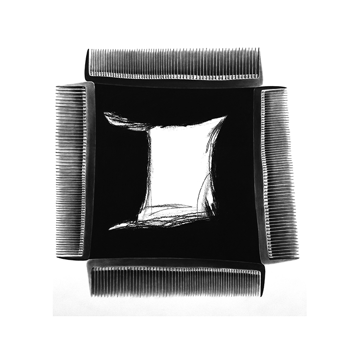 """routine II"" 2015, charcoal drawing, 150 x 150 cm"